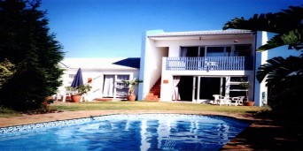 accommodation in Bloubergstrand