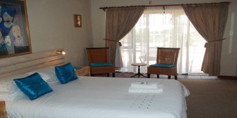 Damas Restaurant & Guest House