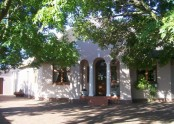 Ambleside House Self Catering - Pinelands 1