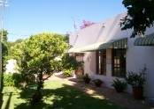 Ambleside House Self Catering - Pinelands 3